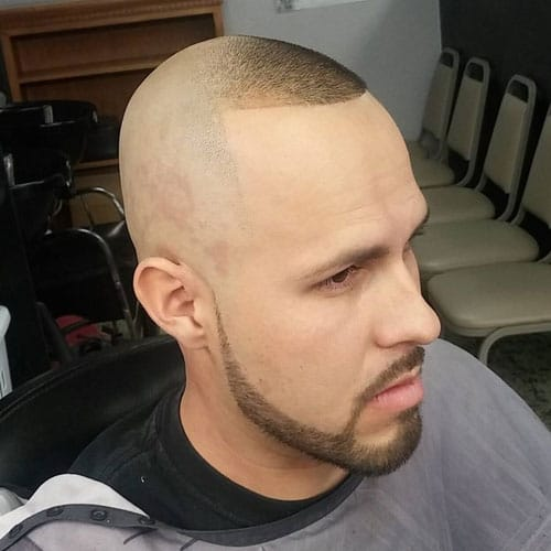 Short Trimmed Chinstrap Beard Style