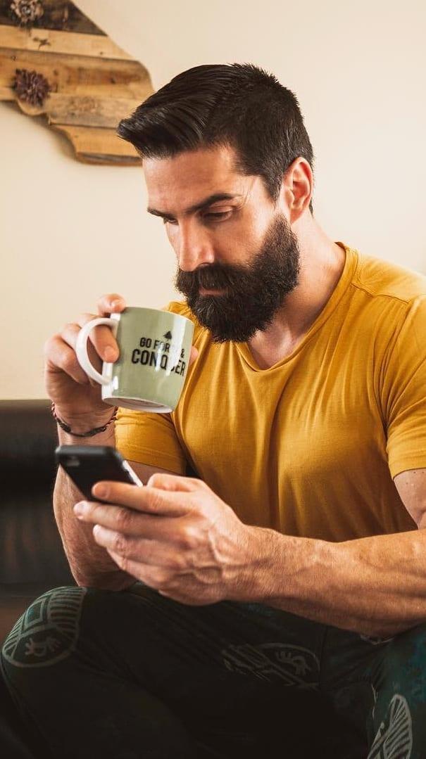 4 Basic Steps To Get A Perfect Neckline Trim