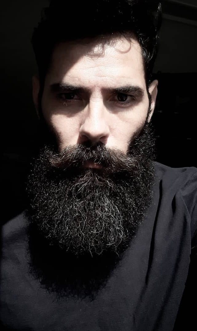 5 Steps To Quickly Shape Your Long Beard.