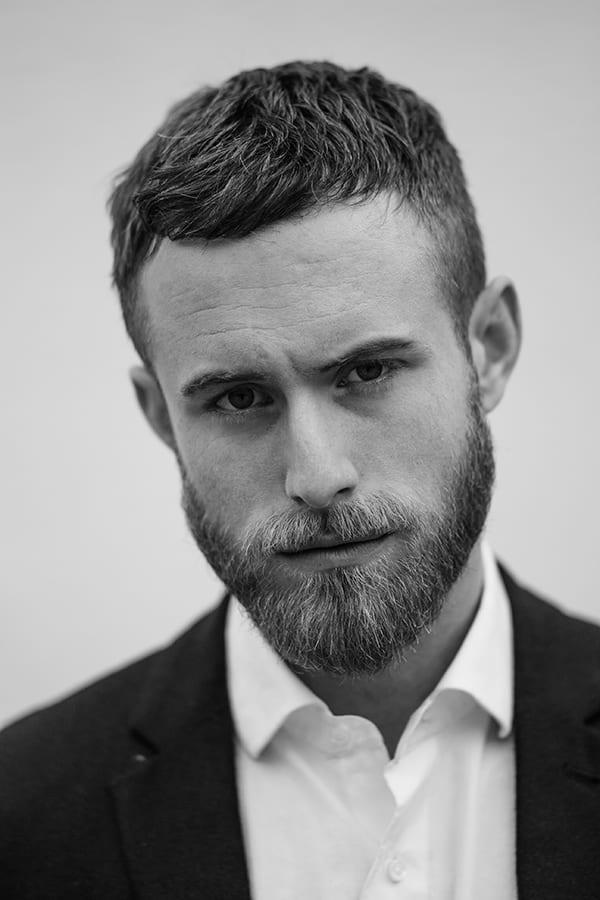short-beard-short-hair