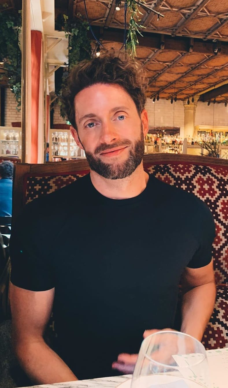 Black Tshirt, Medium Beard style for men