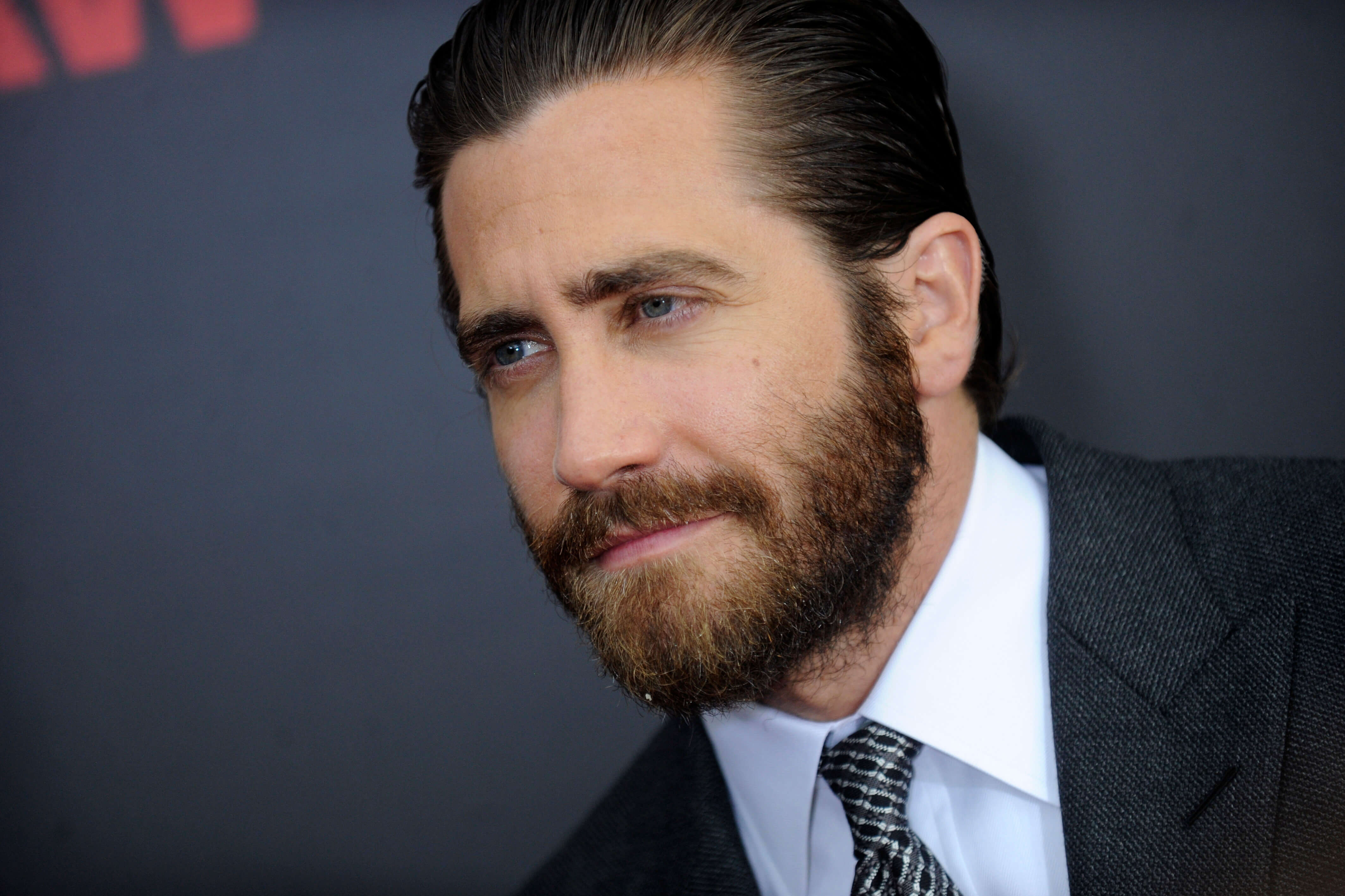 Jake gyllenhaal beard stubble bearded man