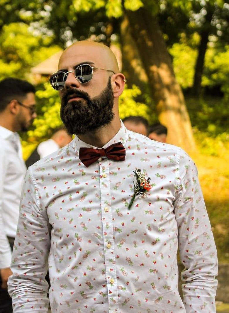 Printed shirt and Bandholz beard