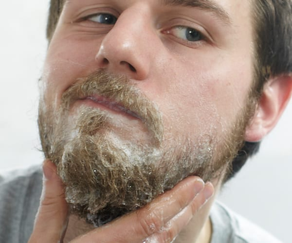beard-shampoo-bearded-men-baerd-care