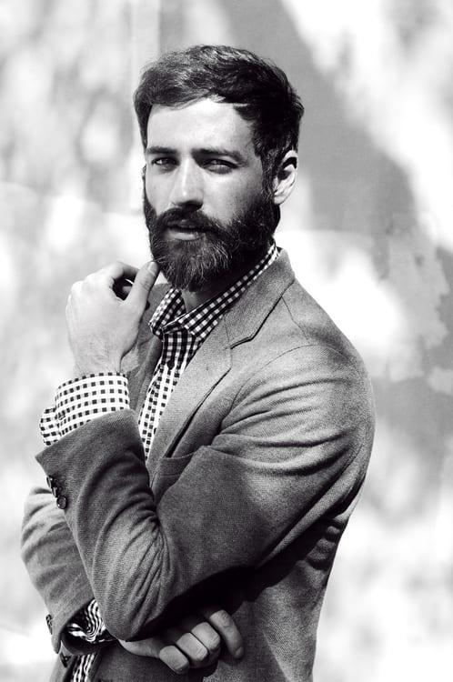full-beard-simple-hair