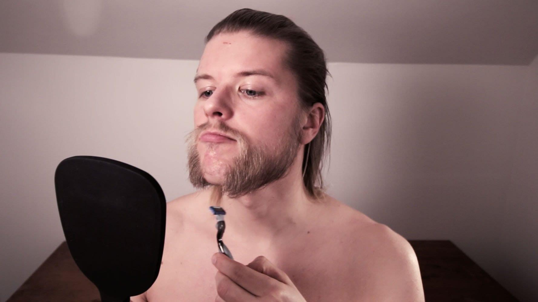 shaping-your-mutton-chop-beard