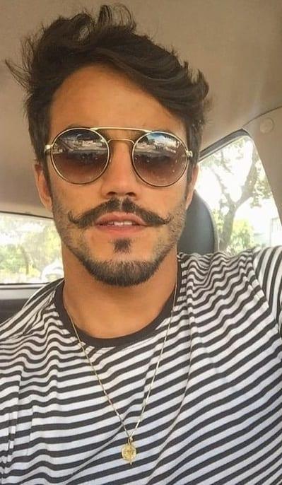 Gentlemen's English Beard look